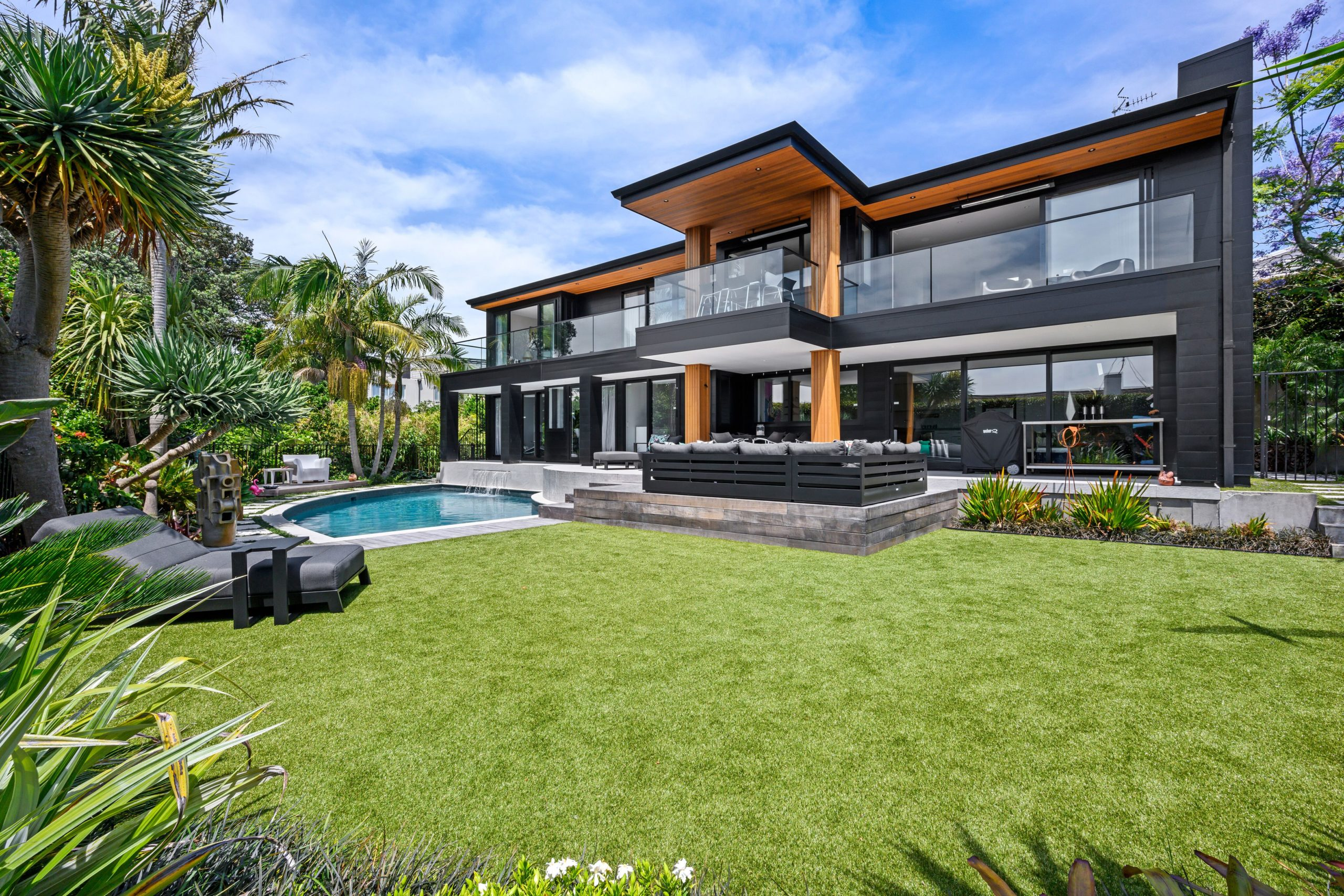 Moder-split-level-renovation-Auckland-scaled